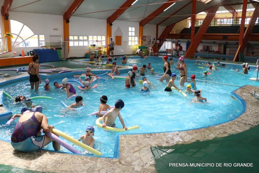rio-grande-actividades-verano-natatorio.JPG