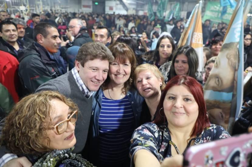 Encuentro-Renacer-Ushuaia-Agradecimiento-Melella-Urquiza III